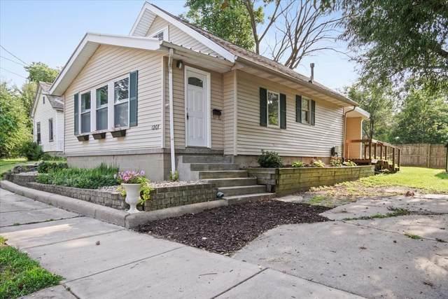1207 S Clayton Street, Bloomington, IL 61701 (MLS #11167662) :: O'Neil Property Group