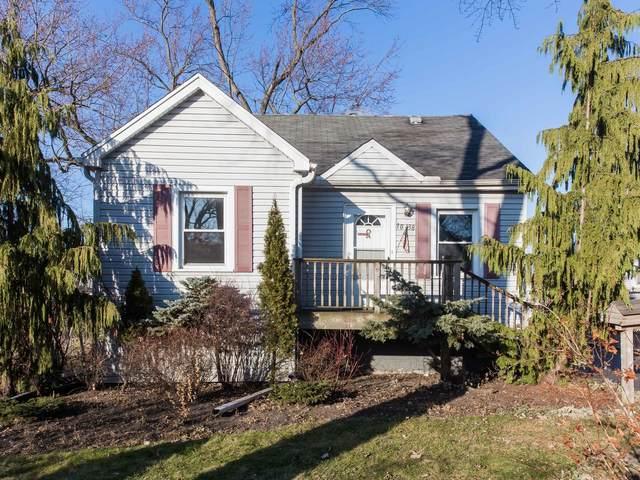 10438 W Lyndale Avenue, Melrose Park, IL 60164 (MLS #11168080) :: O'Neil Property Group
