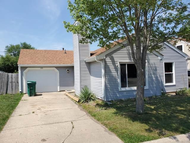 2021 Apache Trail, Round Lake Beach, IL 60073 (MLS #11168226) :: Jacqui Miller Homes