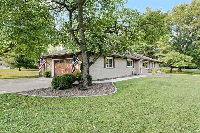 1903 Forestview Drive, Mahomet, IL 61853 (MLS #11169157) :: Touchstone Group