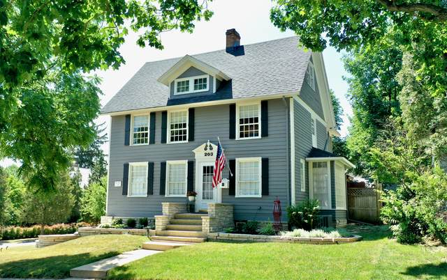 203 Oregon Avenue, West Dundee, IL 60118 (MLS #11169738) :: Carolyn and Hillary Homes