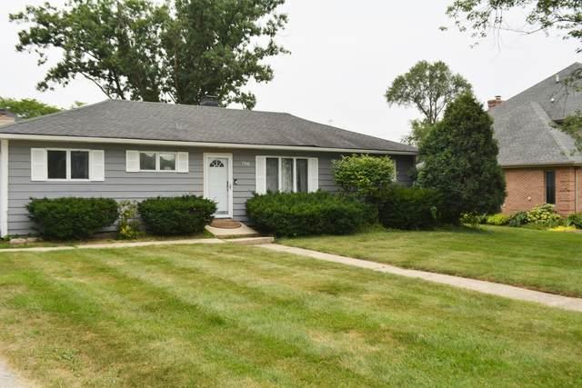 7349 S Park Avenue, Burr Ridge, IL 60527 (MLS #11170572) :: Ani Real Estate