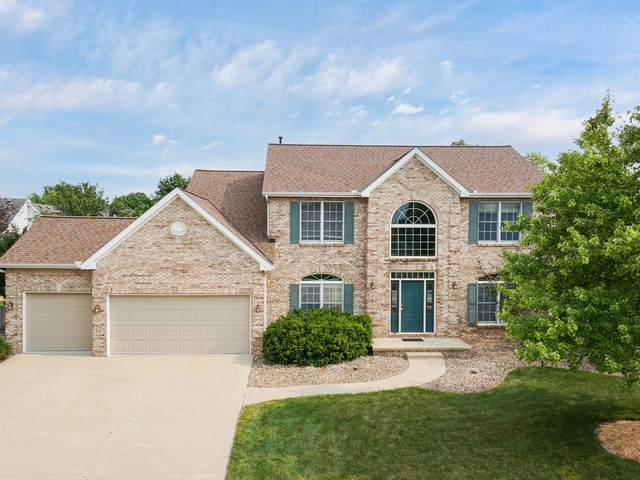 4 Honeysuckle Court, Bloomington, IL 61704 (MLS #11171298) :: Carolyn and Hillary Homes