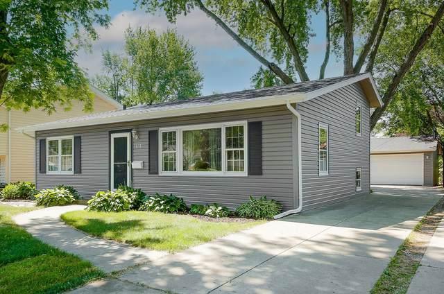 1018 E Elm Street, Wheaton, IL 60189 (MLS #11171566) :: O'Neil Property Group