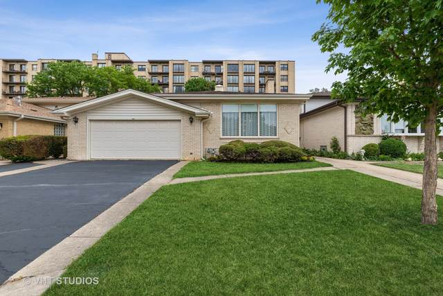4620 W Fitch Avenue, Lincolnwood, IL 60712 (MLS #11171621) :: The Wexler Group at Keller Williams Preferred Realty
