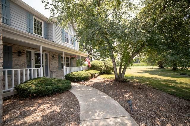 16N795 Prairie Farm Drive, Hampshire, IL 60140 (MLS #11171868) :: Suburban Life Realty