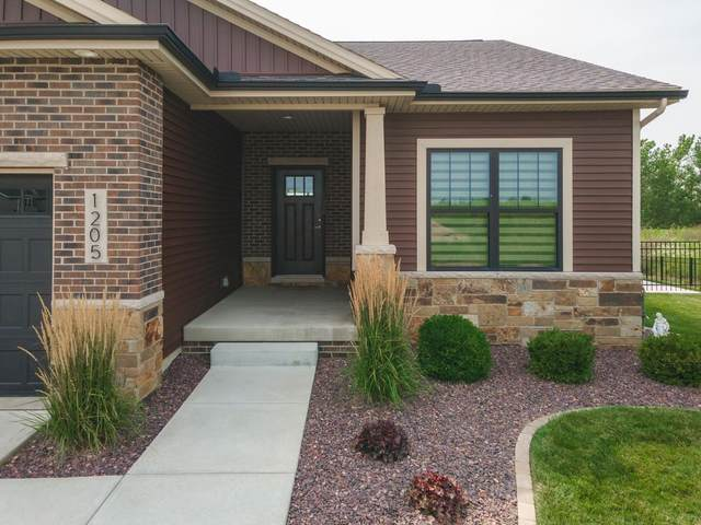 1205 Travertine Road, Normal, IL 61761 (MLS #11172884) :: Touchstone Group