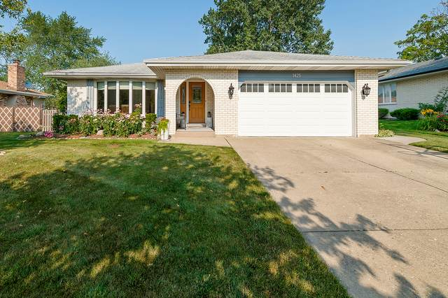 1425 Spruce Lane, Westmont, IL 60559 (MLS #11173381) :: The Dena Furlow Team - Keller Williams Realty