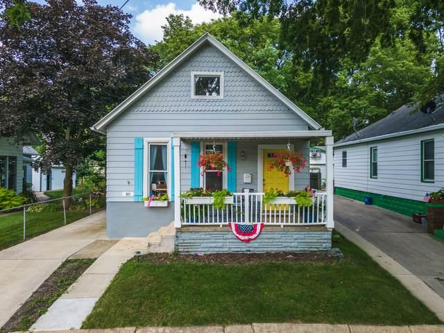 807 N Oak Street, Bloomington, IL 61701 (MLS #11173825) :: Suburban Life Realty