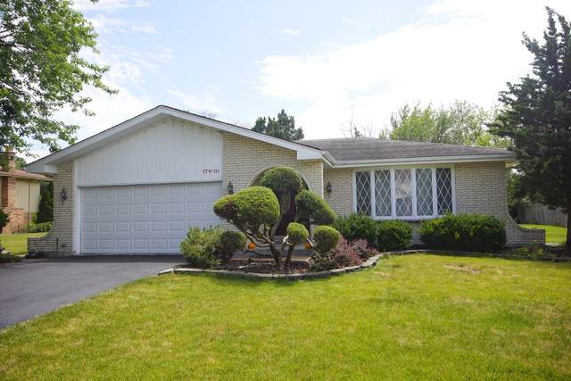 17w111 Elm Court, Willowbrook, IL 60527 (MLS #11174483) :: The Wexler Group at Keller Williams Preferred Realty