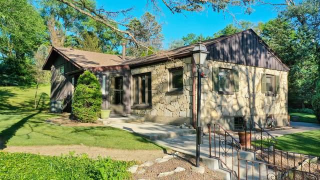 9517 S 90TH Avenue, Palos Hills, IL 60465 (MLS #11174625) :: Lewke Partners - Keller Williams Success Realty