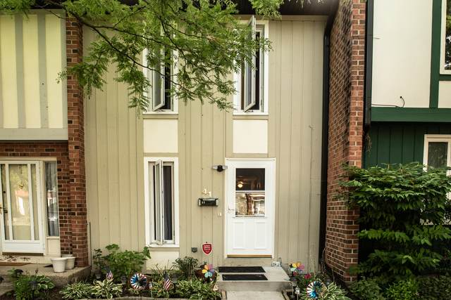 41 Cypress Square, Elgin, IL 60123 (MLS #11175173) :: John Lyons Real Estate