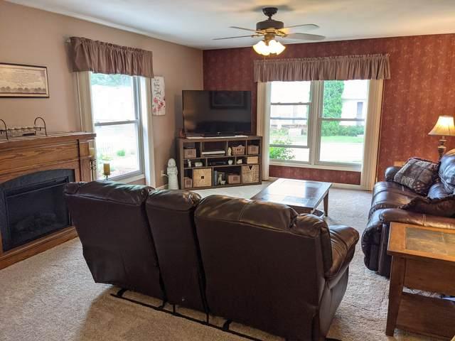 616 Woodbridge Lane #2, Freeport, IL 61032 (MLS #11175220) :: John Lyons Real Estate