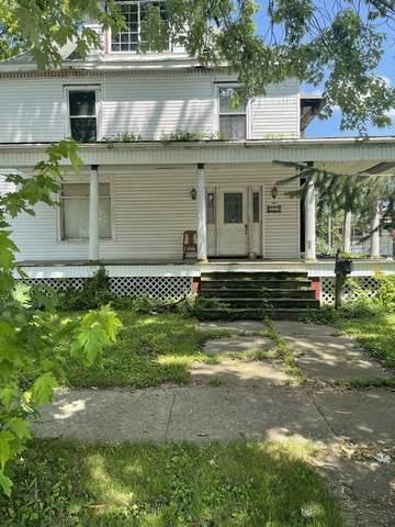 335 E Pells Street, Paxton, IL 60957 (MLS #11175390) :: The Dena Furlow Team - Keller Williams Realty