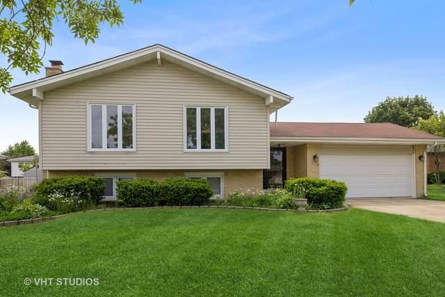 7125 Summit Road, Darien, IL 60561 (MLS #11175831) :: Carolyn and Hillary Homes
