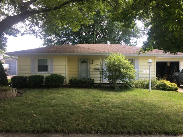 1403 E Le Fevre Road, Sterling, IL 61081 (MLS #11177830) :: Carolyn and Hillary Homes