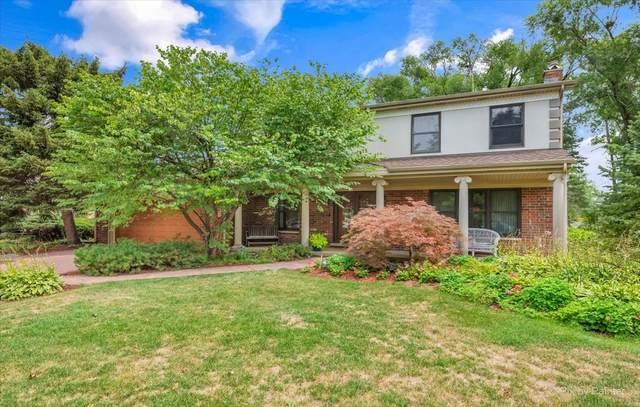 2439 S Cedar Glen Drive, Arlington Heights, IL 60005 (MLS #11182865) :: John Lyons Real Estate
