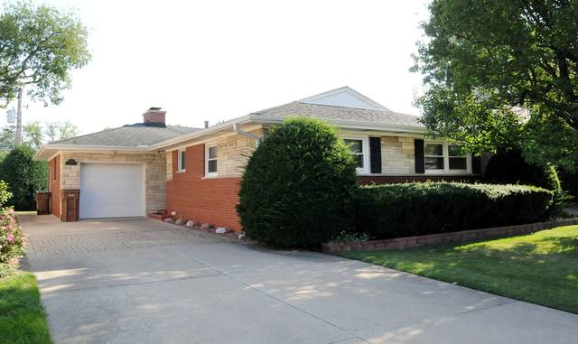 8017 Country Club Lane, North Riverside, IL 60546 (MLS #11197779) :: Angela Walker Homes Real Estate Group