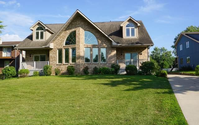 1368 Lake Holiday Drive, Sandwich, IL 60548 (MLS #11201430) :: Littlefield Group