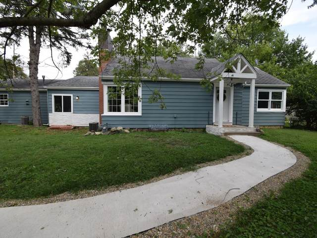 820 Manchester Road, Normal, IL 61761 (MLS #11204465) :: Jacqui Miller Homes