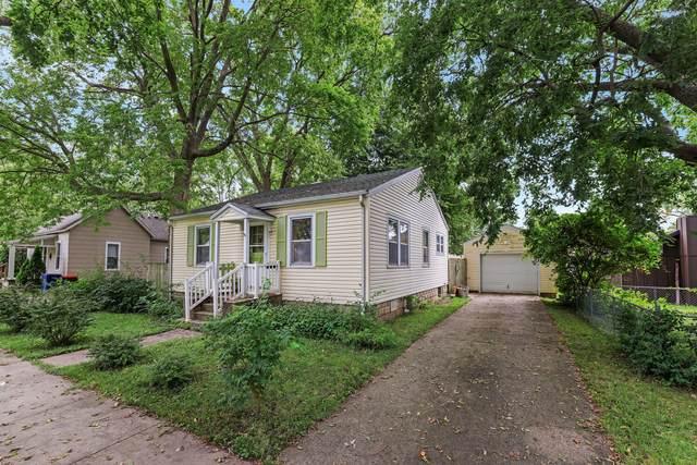 411 E Lincoln, MONTICELLO, IL 61856 (MLS #11205476) :: Littlefield Group