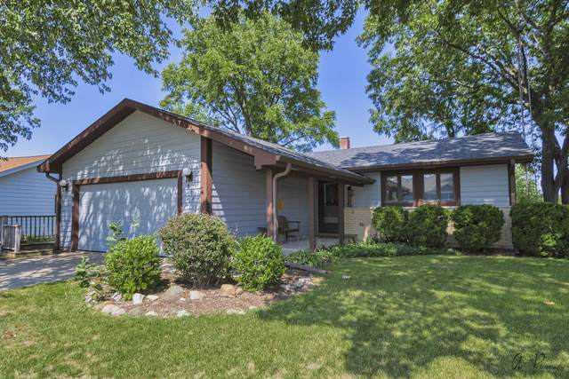 920 Wiltshire Drive, Mchenry, IL 60050 (MLS #11205965) :: Suburban Life Realty