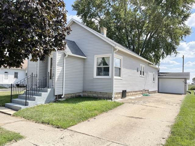 207 E Cleveland Street, Ladd, IL 61329 (MLS #11206571) :: Littlefield Group