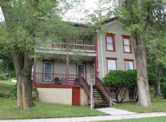 632 N Galena Street, Mt. Carroll, IL 61053 (MLS #11207603) :: John Lyons Real Estate