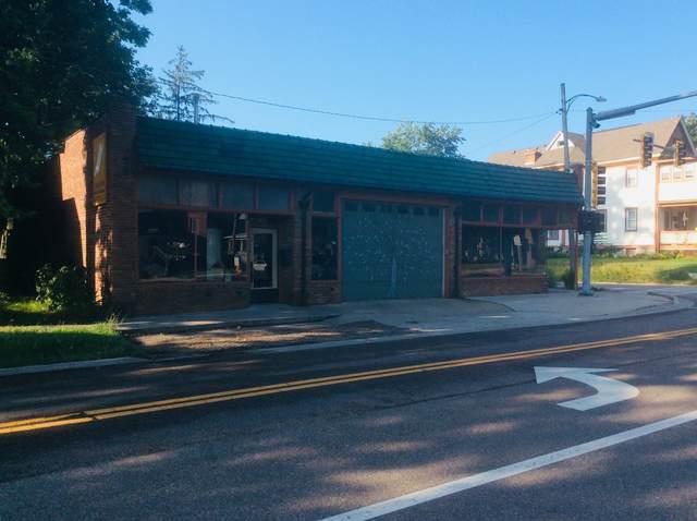 801 E Grove Street, Bloomington, IL 61701 (MLS #11209315) :: Littlefield Group