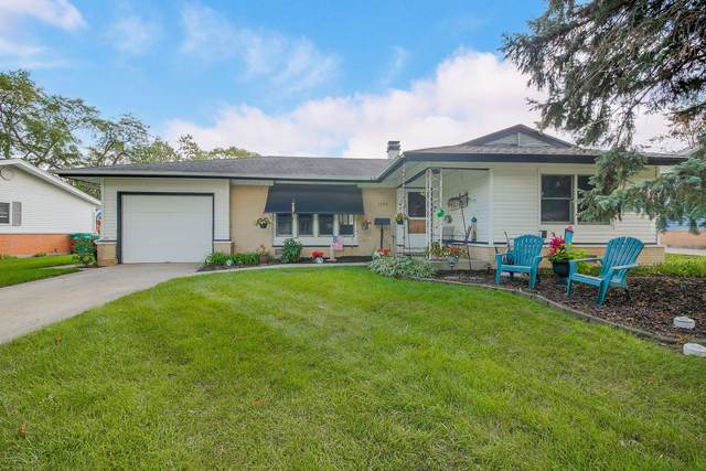 1059 Carswell Avenue, Elk Grove Village, IL 60007 (MLS #11210030) :: Rossi and Taylor Realty Group