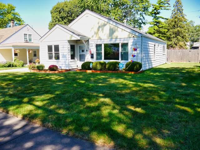 5832 Lynwood Drive, Oak Lawn, IL 60453 (MLS #11210114) :: Littlefield Group