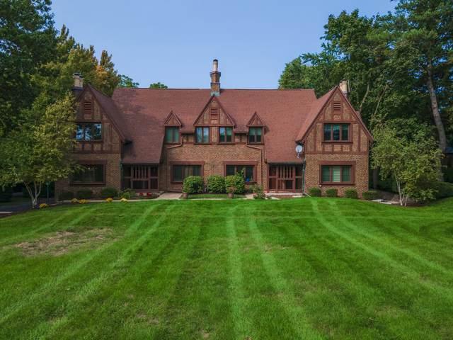 1602 E Washington Street #1, Bloomington, IL 61701 (MLS #11211006) :: John Lyons Real Estate