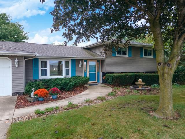 22061 N 825 East Road, Carlock, IL 61725 (MLS #11212164) :: Littlefield Group
