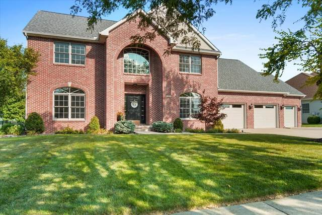 18 Knollbrook Court, Bloomington, IL 61705 (MLS #11213904) :: The Wexler Group at Keller Williams Preferred Realty