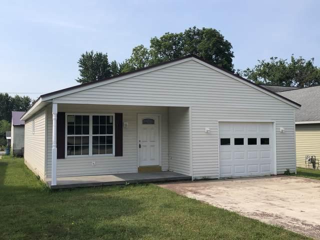 322 E Bogardus Street, Paxton, IL 60957 (MLS #11216380) :: Lewke Partners - Keller Williams Success Realty