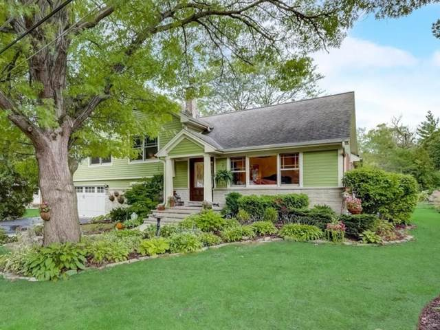210 Forest Knoll Road, Lake Bluff, IL 60044 (MLS #11216431) :: BN Homes Group