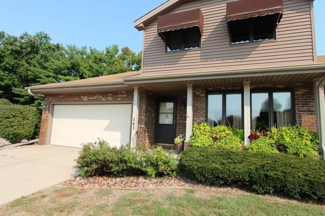 141 Manor Circle, Bloomington, IL 61704 (MLS #11217052) :: Littlefield Group