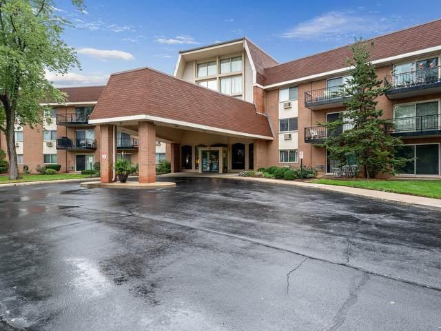 1198 Royal Glen Drive 120E, Glen Ellyn, IL 60137 (MLS #11219067) :: Littlefield Group