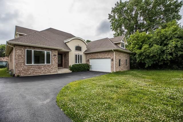 624 S Butterfield Road, Libertyville, IL 60048 (MLS #11221670) :: Lewke Partners - Keller Williams Success Realty
