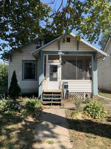 510 8th Avenue, Sterling, IL 61081 (MLS #11221944) :: John Lyons Real Estate