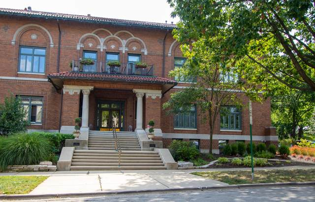 721 Ontario Street #211, Oak Park, IL 60302 (MLS #11222070) :: Ryan Dallas Real Estate