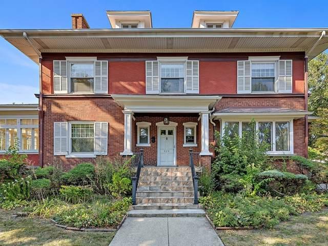 Oak Park, IL 60302 :: Ryan Dallas Real Estate