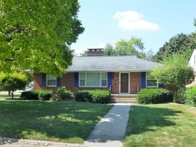 15 Sylvan Lane, Bloomington, IL 61701 (MLS #11222592) :: Littlefield Group