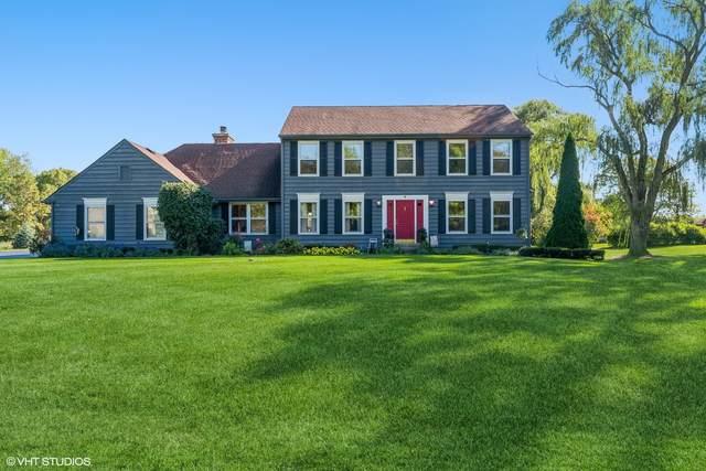4 Blackhawk Road, Hawthorn Woods, IL 60047 (MLS #11223150) :: Helen Oliveri Real Estate