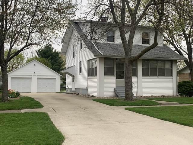 208 E Lincoln Street E, Buckley, IL 60918 (MLS #11223561) :: Lewke Partners - Keller Williams Success Realty