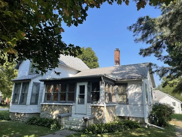 422 Hill Street, Momence, IL 60954 (MLS #11223954) :: Suburban Life Realty
