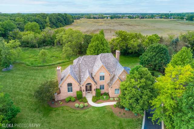 28032 Gray Barn Lane, Lake Barrington, IL 60010 (MLS #11224875) :: The Wexler Group at Keller Williams Preferred Realty