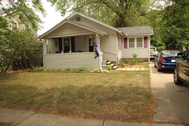 2027 Ridge Avenue, Rockford, IL 61103 (MLS #11226869) :: Lewke Partners - Keller Williams Success Realty
