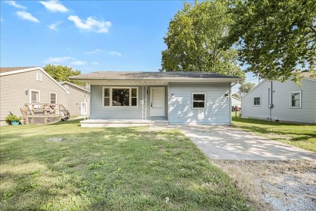 916 E Pembroke Street, Tuscola, IL 61953 (MLS #11227328) :: Ryan Dallas Real Estate