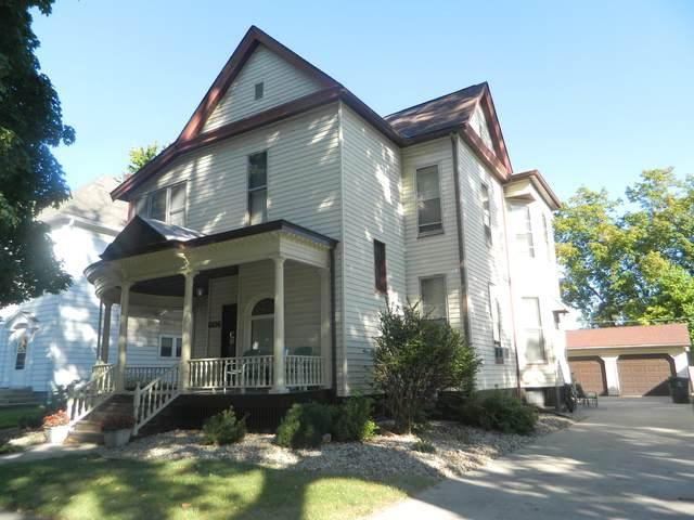 606 E Washington Street, Bloomington, IL 61701 (MLS #11228265) :: The Dena Furlow Team - Keller Williams Realty